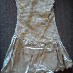Jasnobrązowa sukienka firmy Krystyna Wiśniewska
