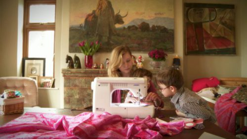 Maszyna do szycia dla dzieci – kreatywny prezent świąteczny od JUKI